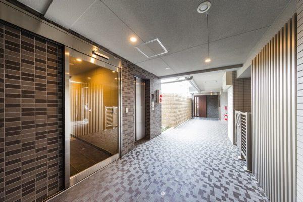 1階 共用廊下